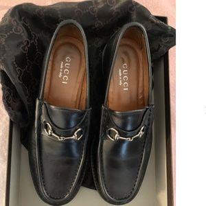 GUCCI Classic Black Horsebit Loafer w/lug sole